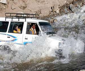 manali to rohtang pass taxi service, manali to leh taxi service